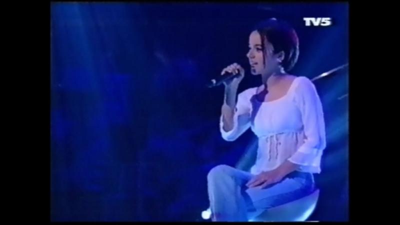 Alizee - Parler Tout Bas (2001-07-22. Genies En Herbe)