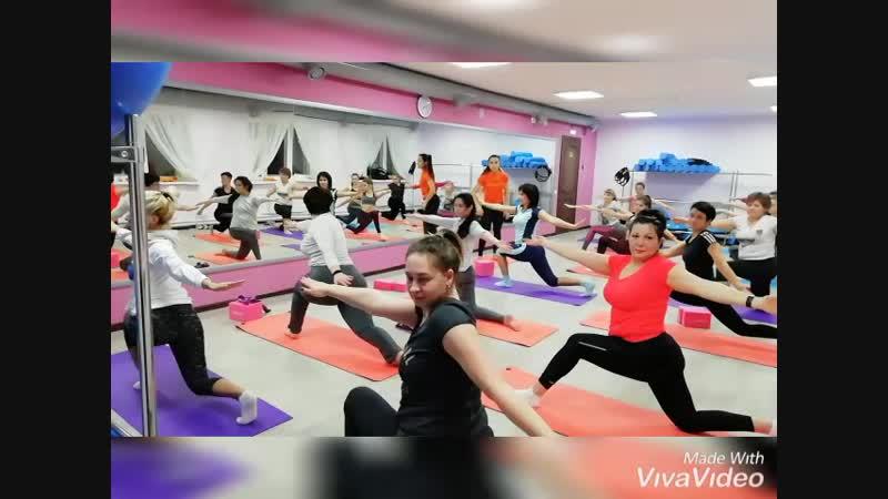 Йога для начинающих. Фитнес-центр Зожников