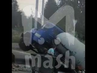 В Татарстане асфальт поглотил ассенизаторскую машину