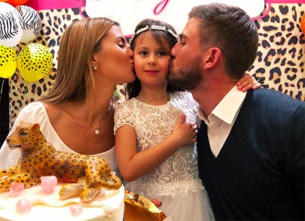 Виктория Боня и Алекс Смерфит воссоединились на дне рождения дочери
