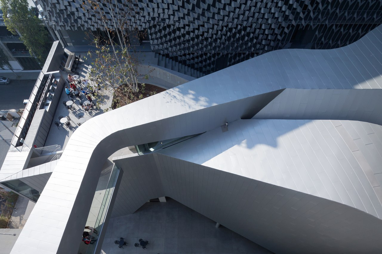 Emerson College Los Angeles / Morphosis Architects
