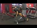 Выполняю упражнение гиперэкстензия с весом 75 кг