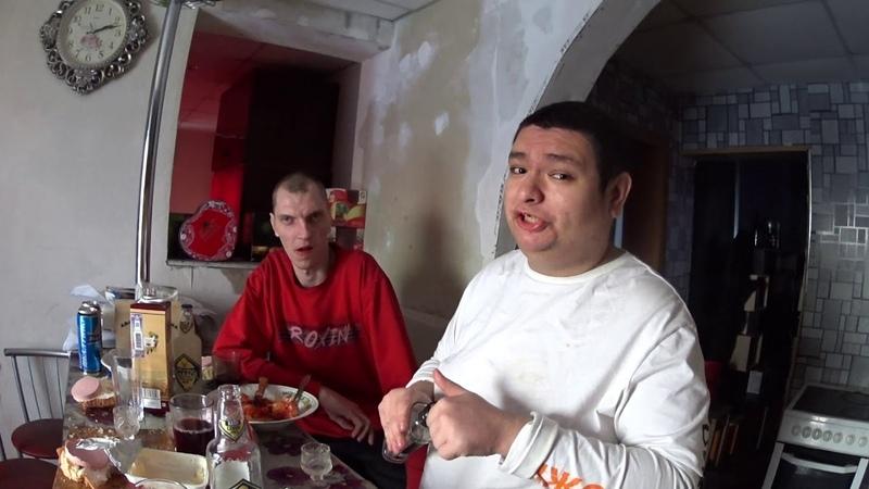 Обедаем с Фёдором Кочегаром жареной рыбой с овощами в 14:10 дня