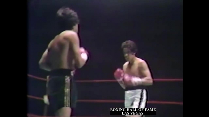 Ruben Olivares Stops Bobby Chacon II - June 20, 1975 (Wins Featherweight Crown)