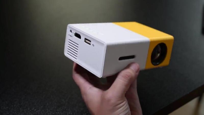 Не дорогой компактный проектор