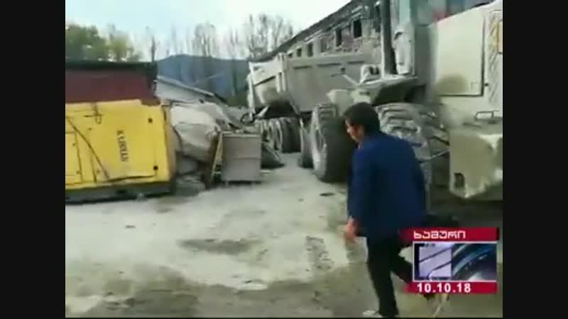 Представители китайской железнодорожной компании физически расправились с журналистами Рустави-2