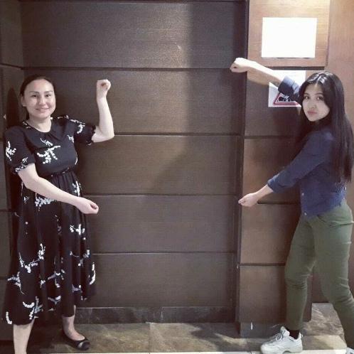 В Казахстане задержали активистку, которая за несколько дней до этого сфотографировалась с воображаемым плакатом