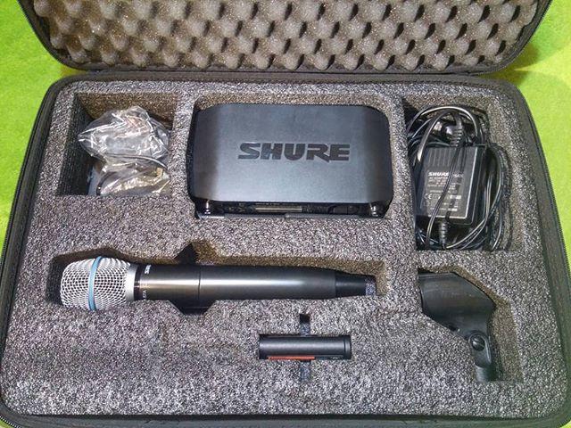 Продам вокальную радиосистему Shure GLXD24e-B87a