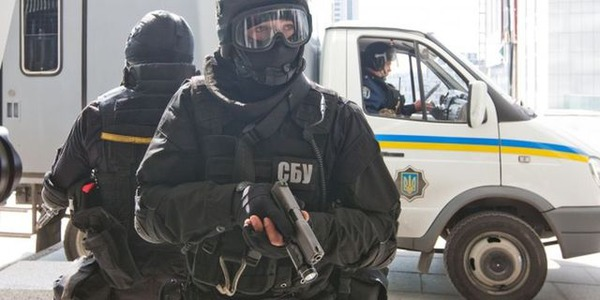Спецслужба смогла задержать захватчика здания СБУ в Луганске (видео)