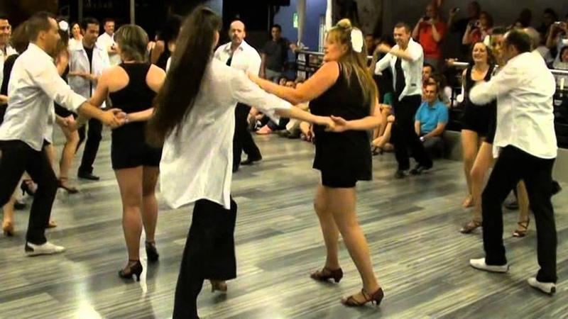 Coreo rueda cubana grupo salsa cubana medio Fin de curso Pasos de baile 1 Julio 2012 .mpg