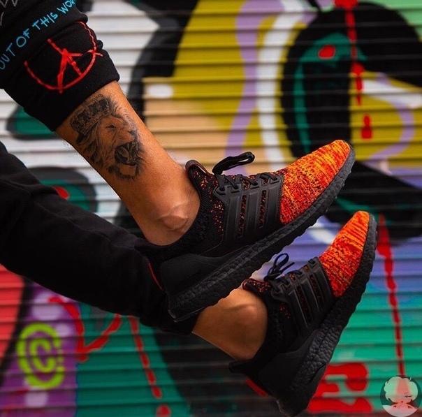 Пламя и кровь: Adidas показал коллекцию кедов в честь «Игры престолов» в стиле дома Таргариенов.