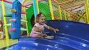✿ Играем в Лабиринте Indoor Playground Family Fun for Kids Indoor Play Area Playroom with Balls