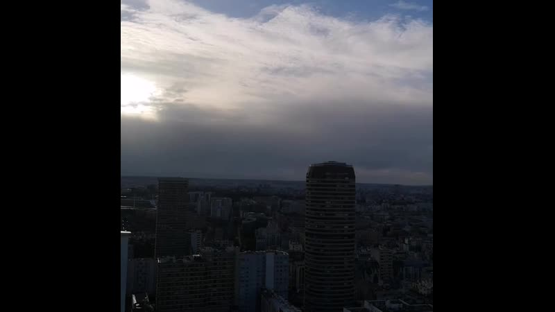 Paris🗼 is magic  FluctuatNecMergitur France 🇫🇷 Ici c'est paris🗼❤💞 ☁️☀️🌈 grey clouds blue Sunset sky rooftop