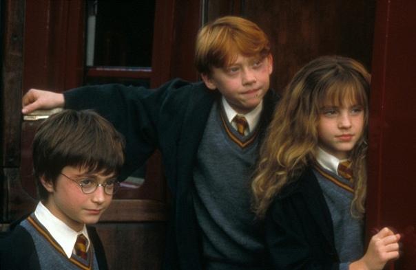 Подарок для фанатов: лучшие сцены из «Гарри Поттера» превратят в картины Поклонники «Поттерианы» в скором времени получат возможность украсить свой интерьер картинами с изображением лучших