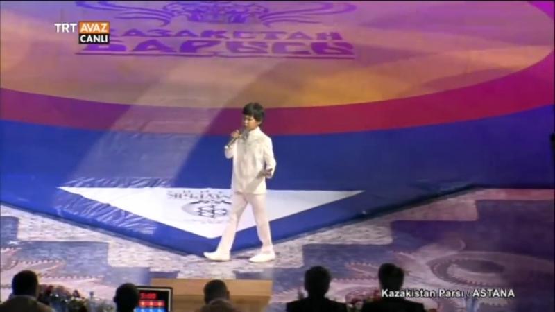 Nurmuhammed Kazak Balası Sahnede Kazakistan Parsı TRT Avaz