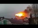 В Сочи как свечка полыхает жилая пятиэтажка. Жильцов эвакуировали. Работает несколько бригад пожарных. Пиромания какая-то