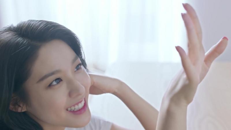 180402 AOA Seolhyun @ Dasing Dive (15 sec)