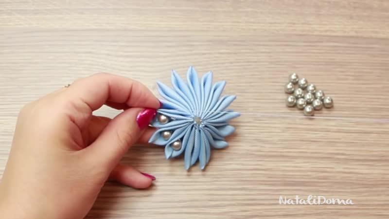 Как сделать цветок Зефирка с бусинами из ленты DIY Beautiful Flower ✿ NataliDo