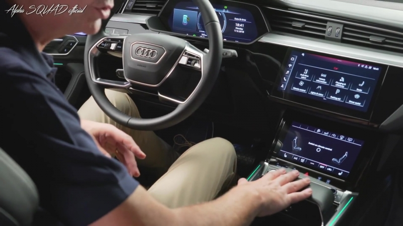 2019 Audi e Tron Electric SUV Tesla Model X and Jaguar i Pace Competitor смотреть онлайн без регистрации