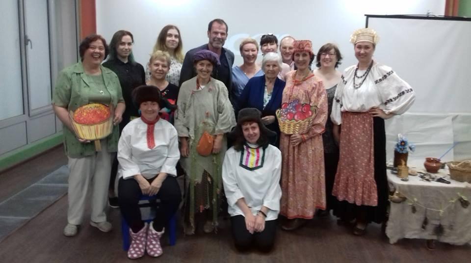 Актеры самодеятельного театра из Савеловского дали выездное представление