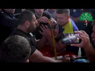 Грузин 172 кг зажал украинца 75 кг