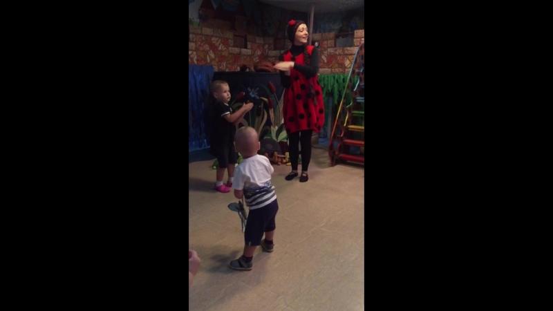 Илюша и Ванюша в Сказкином доме
