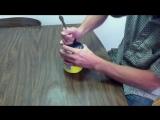 Как открыть консервную банку при помощи ложки