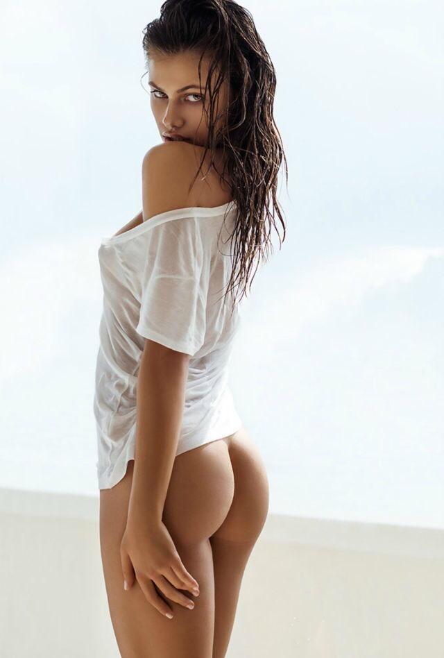 Selena gomes pelos en la vajina