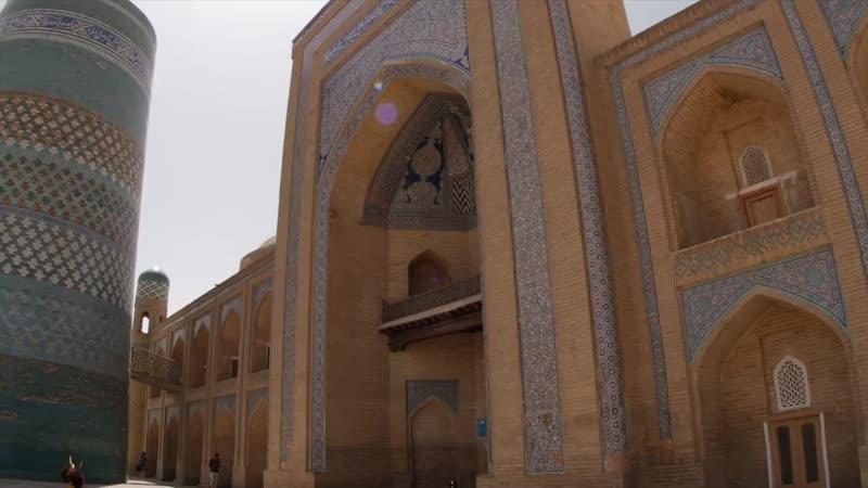 Узбекистан в 4К: бассейн плова, деревянный памперс, camel-сафари и нефритовое озеро