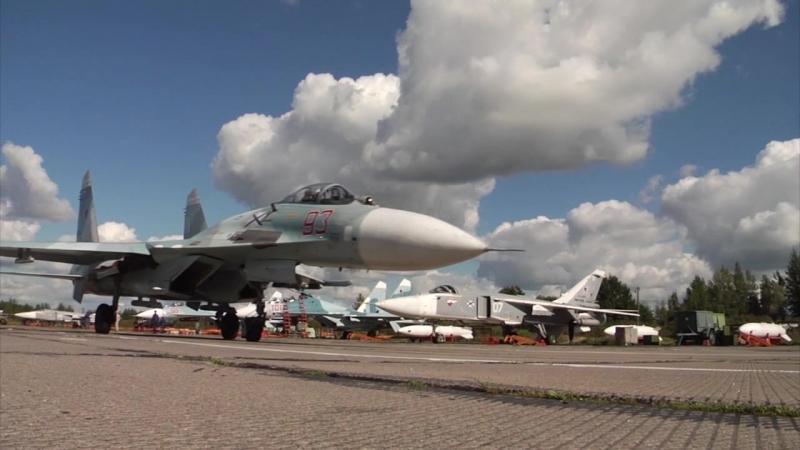 Учебно тренировочные полеты пилотов морской авиации Балтийского флота