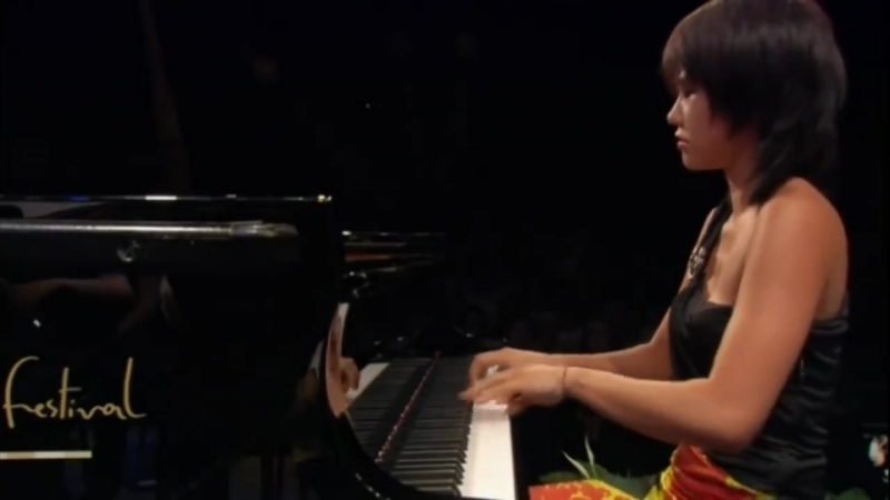 Yuja Wang plays Rachmaninoff _ Piano Concerto No. 2 in C minor, Opus18 [HD]