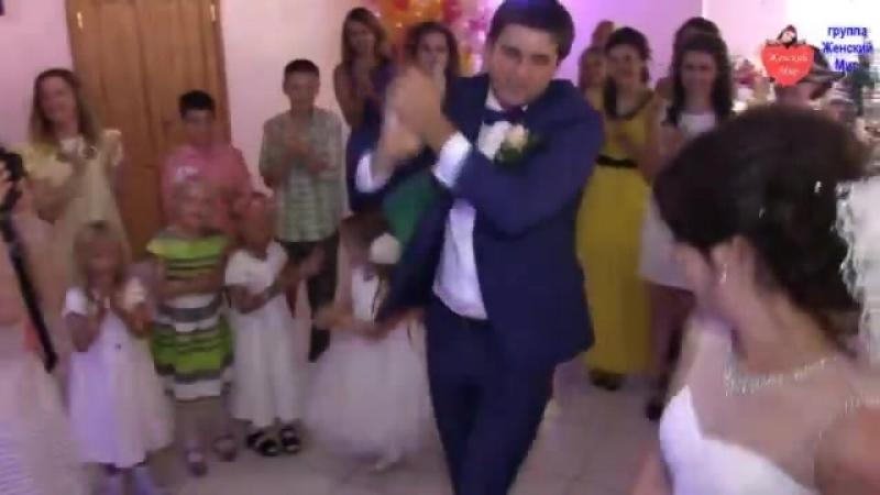 Фотограф на свадьбе удивил гостей! - ВОТ ЭТО ЗДОРОВО! КЛААААСС