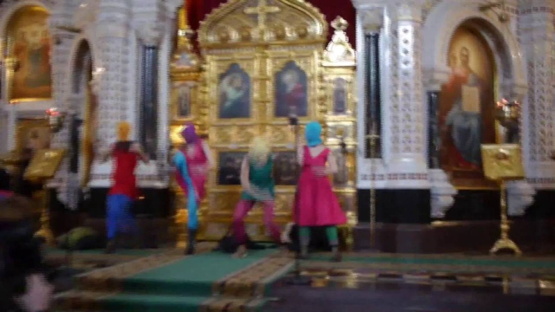 Pussy Riots musikkvideo fra kirka