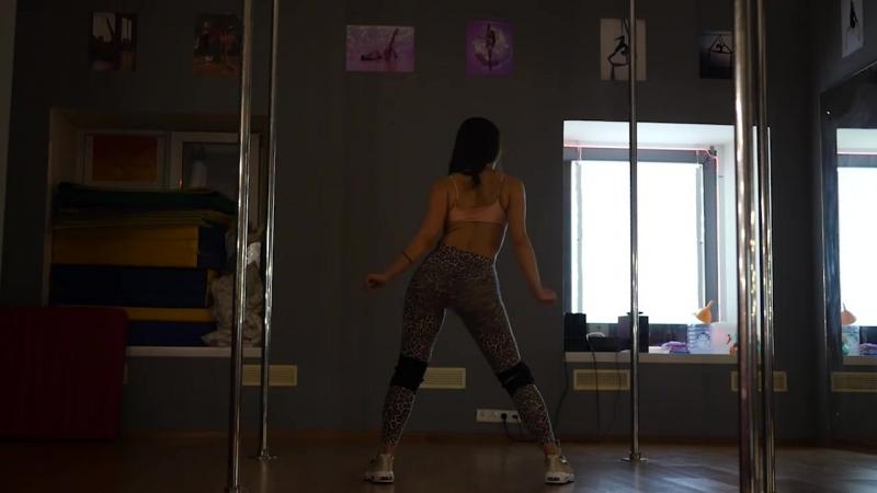 Тверк (twerk, бути денс booty dance)