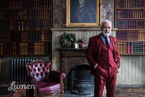 Подтянутый Санта из Великобритании пользуется успехом Благодаря мультипликации и кинематографу мы привыкли считать Санта Клауса эдаким пухлым добряком с косматой бородой и «пивным» животом. В