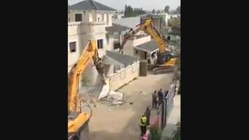 🇵🇸Palestine __ Israeli occupation authorities demolished a Palestinian house in the occupied ci