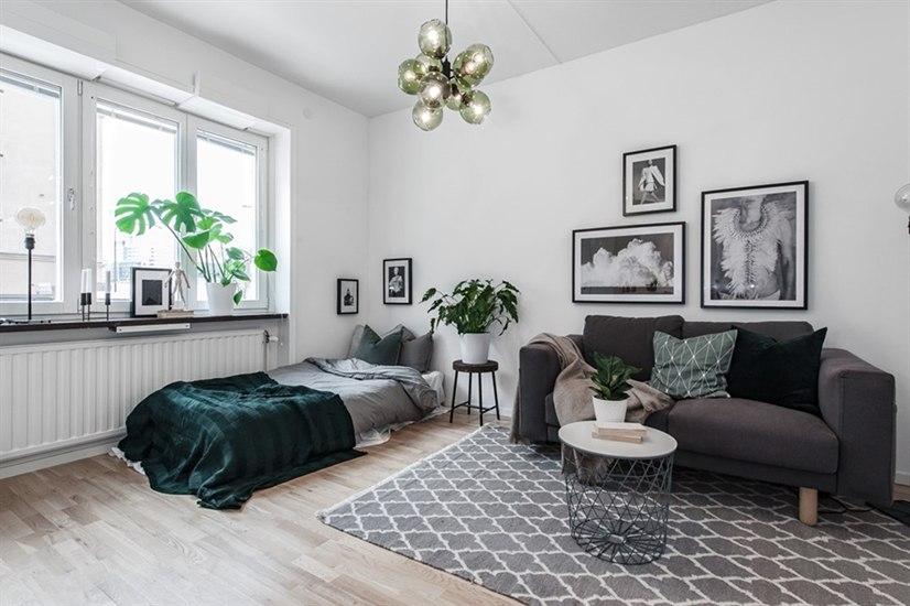Маленькая шведская студия 19 м со шкафом-невидимкой.