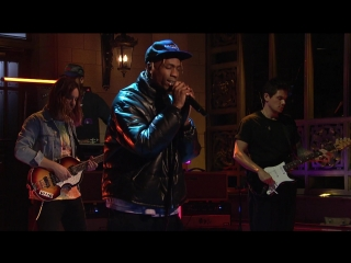 Выступление Travis Scott, John Mayer и Kevin Parker с композициями «Skeletons» и «Astrothunder» на «SNL»
