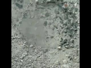 Шевченко 6г. Вода выходит из-под земли.⠀Видео ➡️ @ 9999evro⠀#невинномысск #кочубеевское #пятигорск #кисловодск #черкесск #ст
