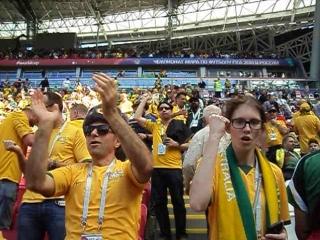 Реакция австралийских болельщиков на песню