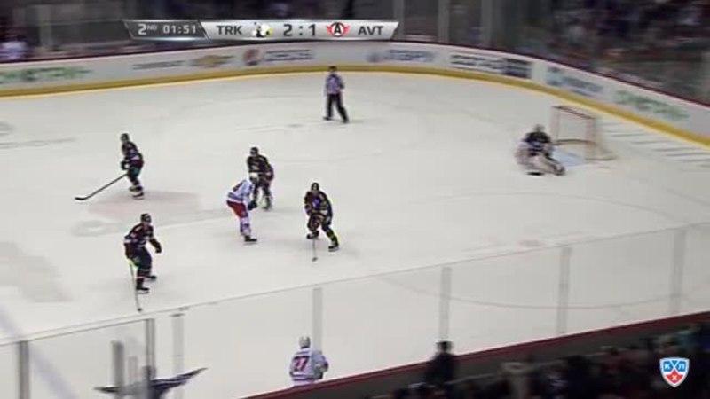 Моменты из матчей КХЛ сезона 14/15 • Удаление. Паре Франсис (Трактор) за подножку 18.01