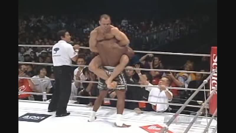Wanderlei Silva vs Quinton Jackson TKO (knees)