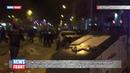 Испанские полицейские жестоко атаковали митингующих против фашизма в Каталонии 19 человек ранено