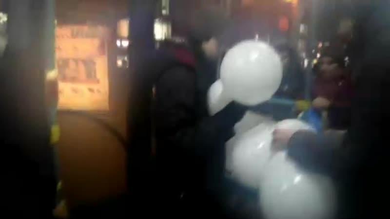 20 22 18 Активисты Челнинской Бессрочки провели акцию с шариками
