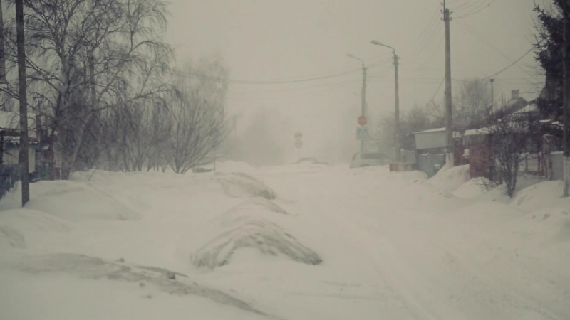 Весенний снегопад с метелью в Губкине