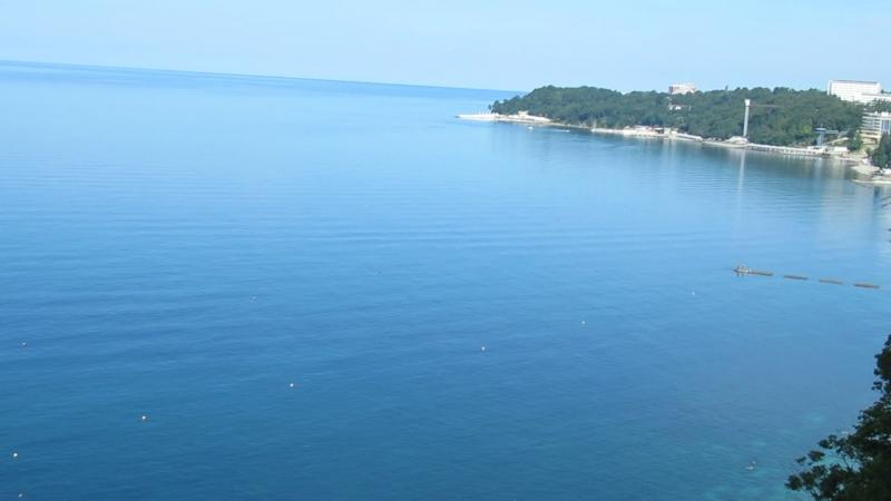 Не кончается синее море...