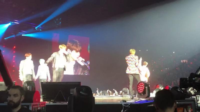 BTS Love Yourself World Tour, Paris 181020 Dope