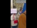 Muslime besetzen Straße zum Beten