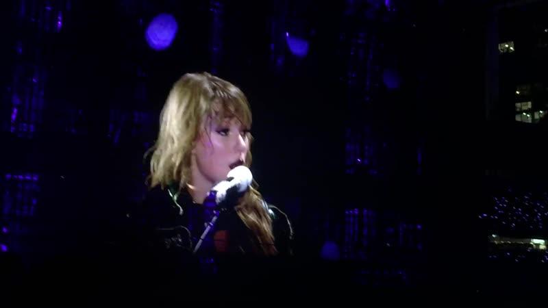 Taylor Swift - Starlight (Acoustic) (Live at Reputation Stadium Tour, Brisbane)