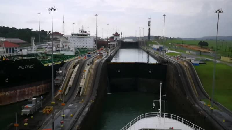 Проходим Панамский канал